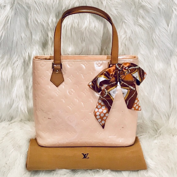 Louis Vuitton Handbags - 🎉ON SALE🎉 Louis Vuitton Vernis Houston Tote Bag 411aa361831fc